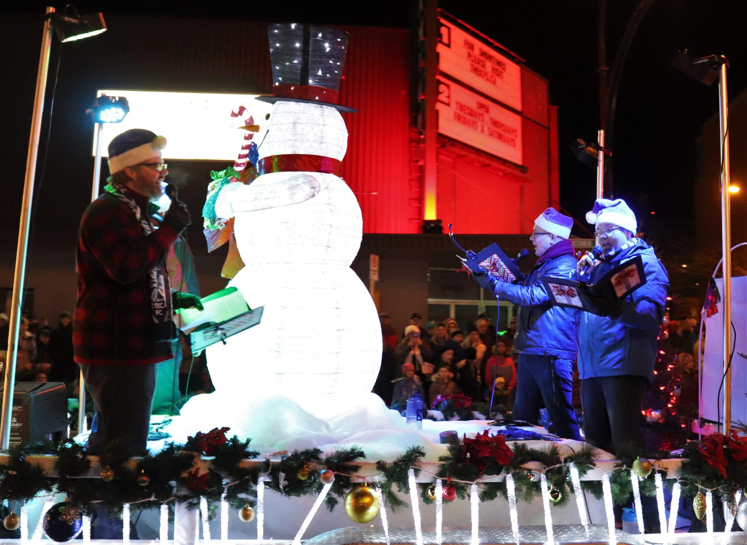 slow no tempo singing from a float in the santa claus parade (photo credit: Kamloops Matters)